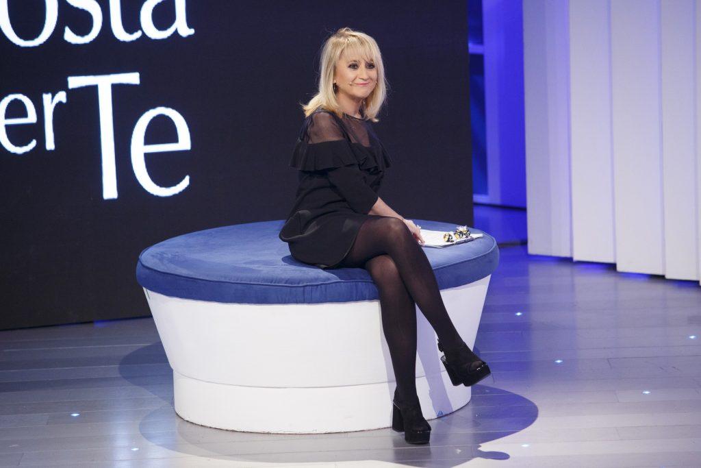 Luciana Littizzetto C'è Posta per Te Maria De Filippi 2018