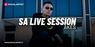 "SA LIVE SESSION Akes si esibisce con i singoli ""Stuntman"" e ""Smart working"""
